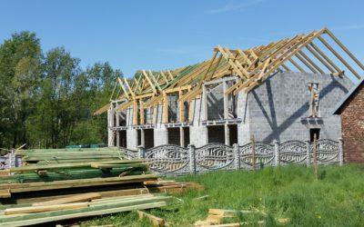 Wylewanie stropów, montaż więźby dachowej